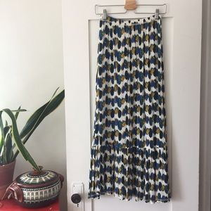 Dresses & Skirts - Vintage Maxi Skirt